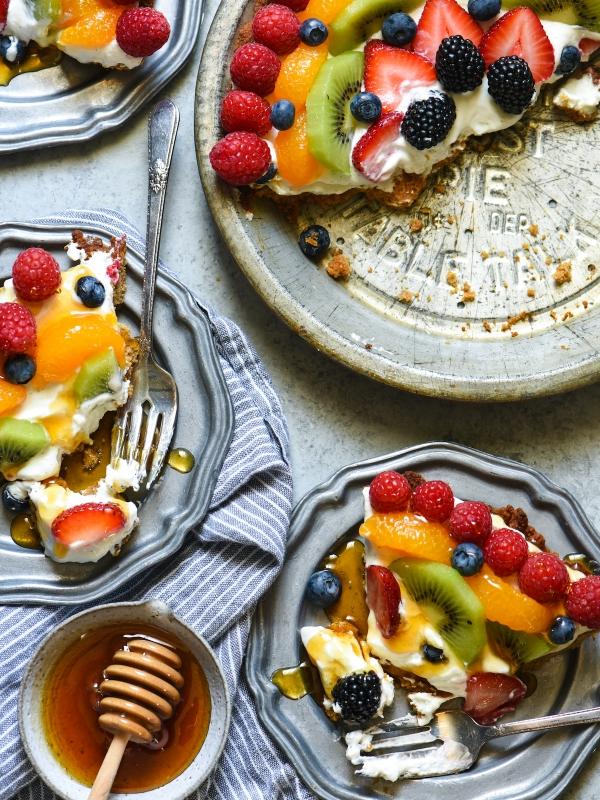 honeyed-frozen-yogurt-pie-3